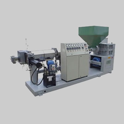 en ossur plsticos srl contamos con la siguiente maquinaria para realizar un correcto reciclado